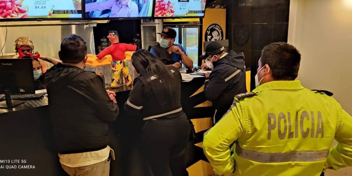 Kike Jav se pronunció ante clausura de su local de comida rápida en el norte de Quito