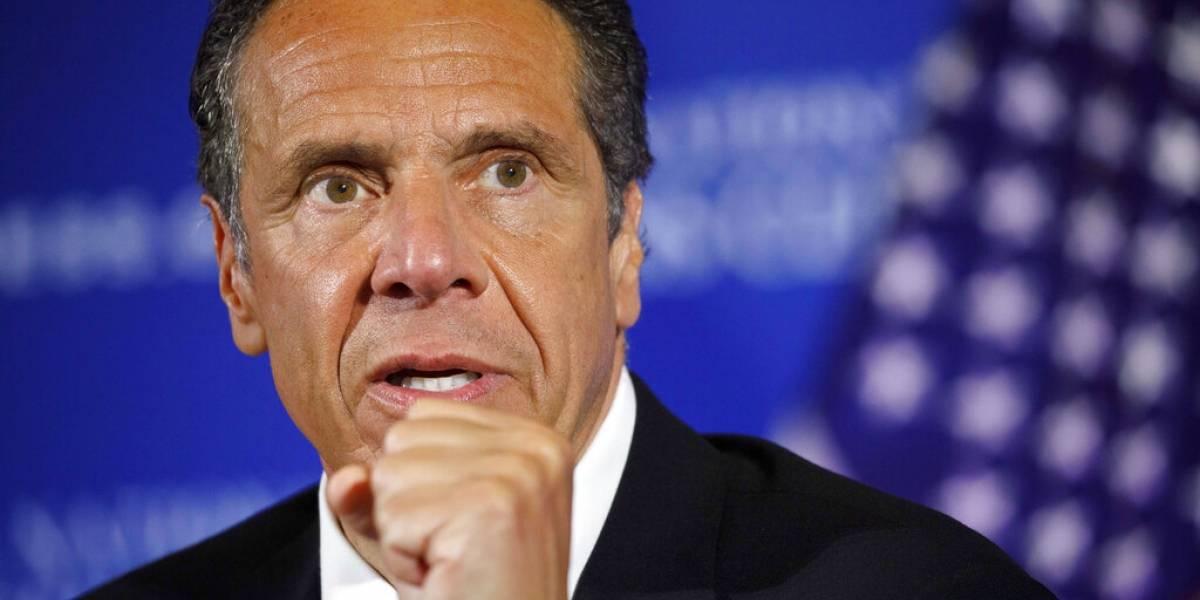 Gobernador de NY promete no vacunarse antes que sus pares