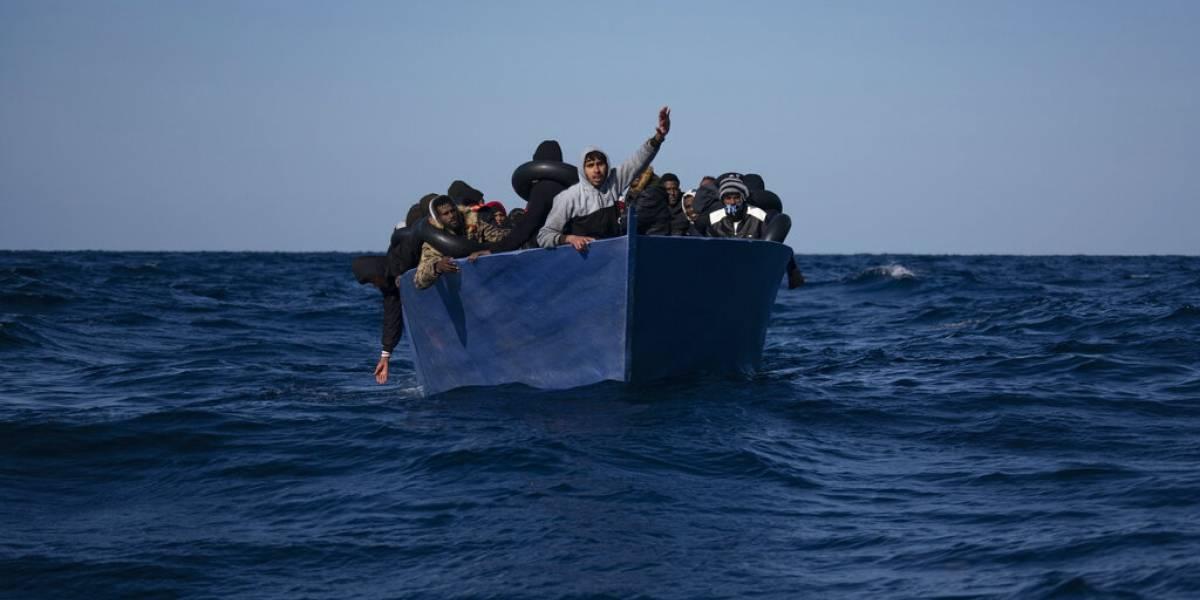 Buque humanitario rescata a 265 migrantes en Mediterráneo