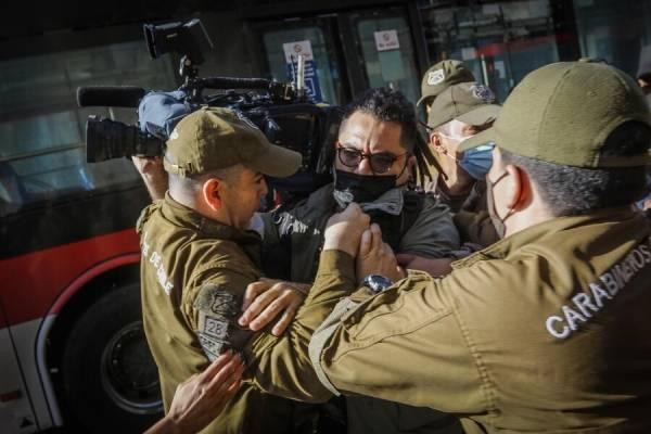 """Pamela Jiles: """"Mucha visibilidad a camarógrafo de CHV, poco reconocimiento a los que luchan y no negocian"""""""