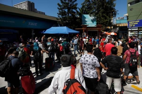 Permiso de vacaciones: más de 16 mil documentos entregados y caos total en el terminal de buses
