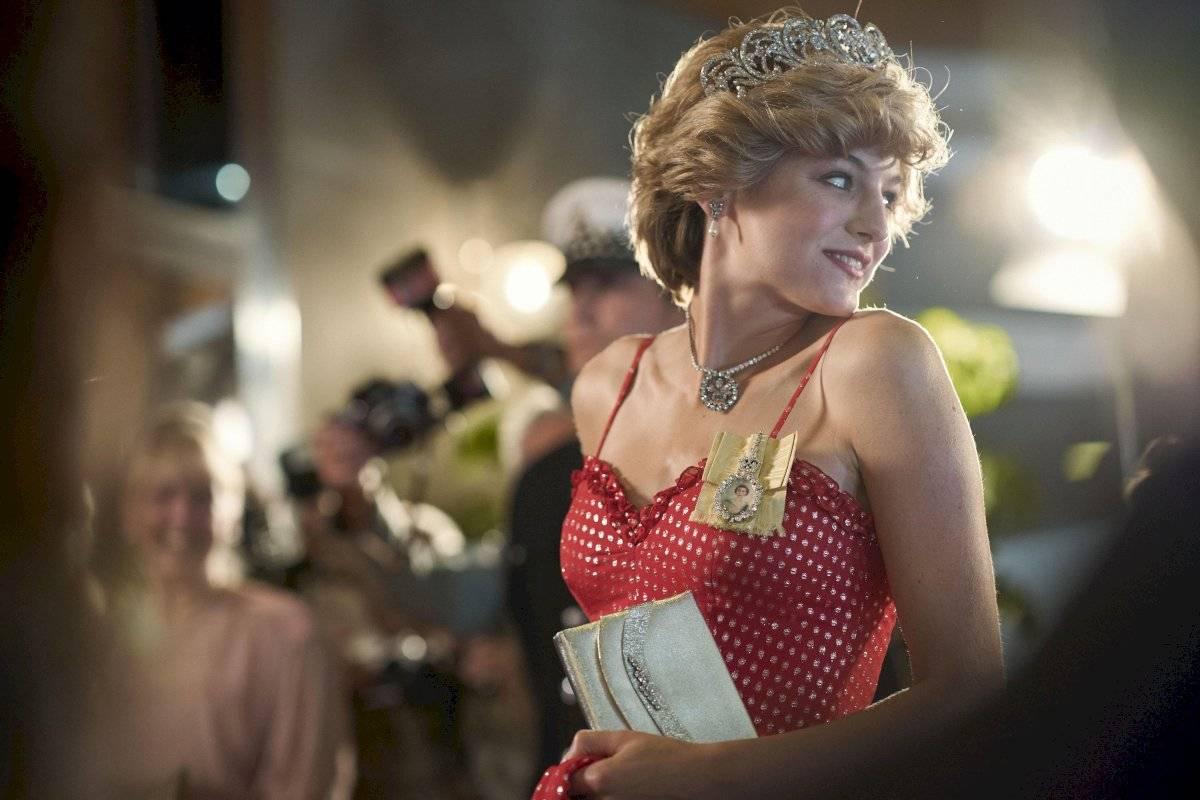 Emma Corrin como Lady Diana en la serie The Crown