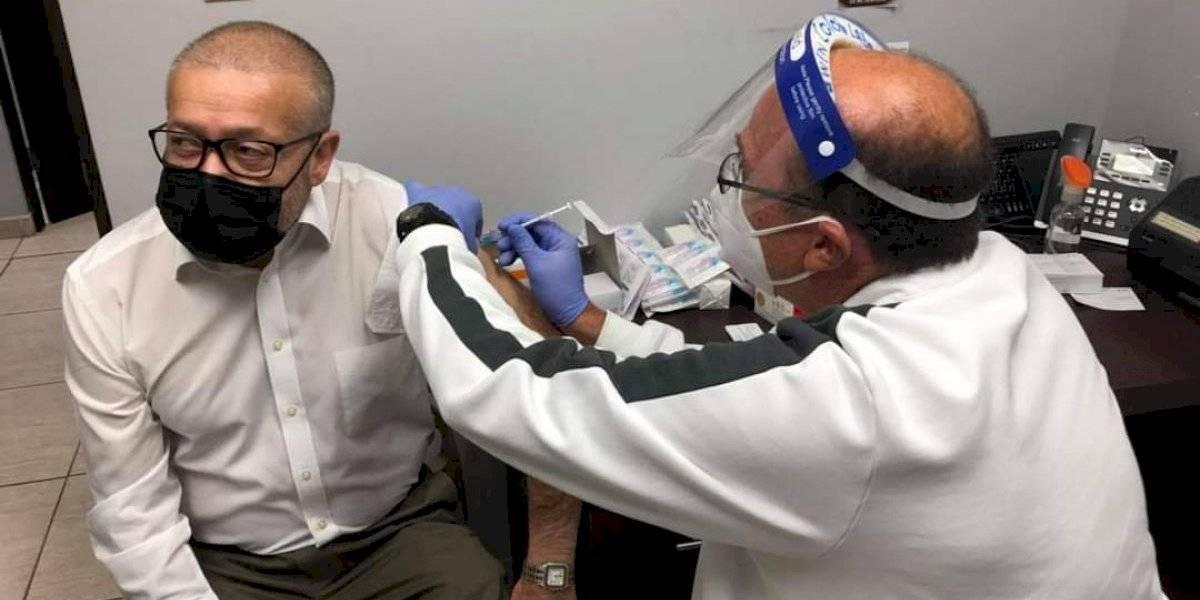 """Alcalde de Ponce denuncia """"atropello"""" en centro de vacunación contra el Covid-19"""