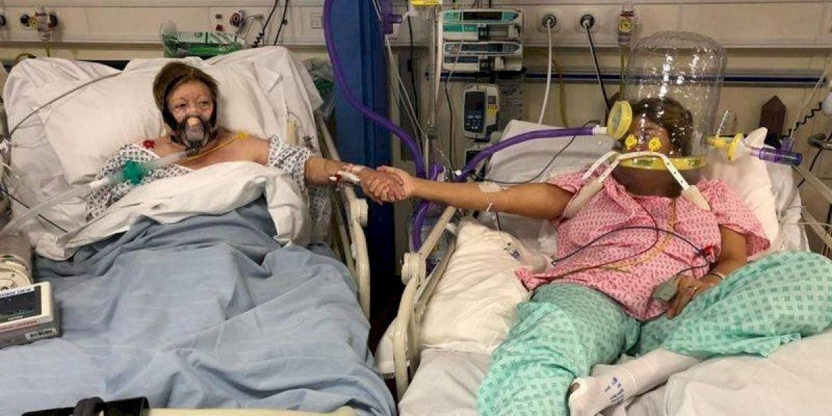 ¡Desgarrador! La foto de una hija y su madre antes de morir por coronavirus
