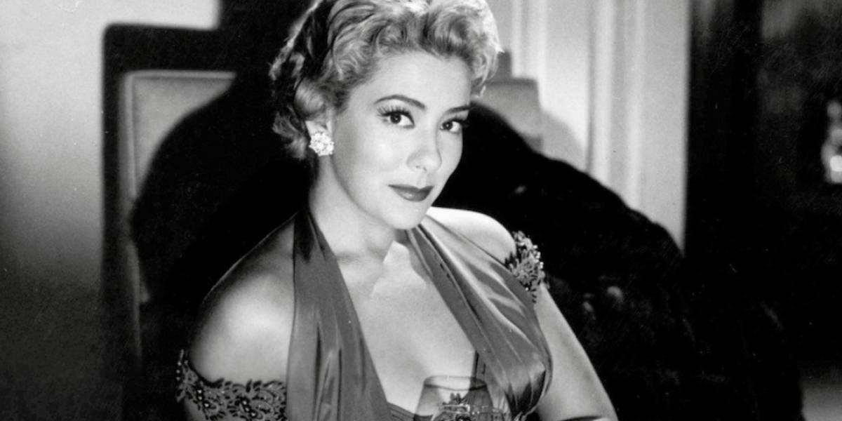 Así fue el vestido de novia de la primera actriz Silvia Pinal, cuando tenía 17 años