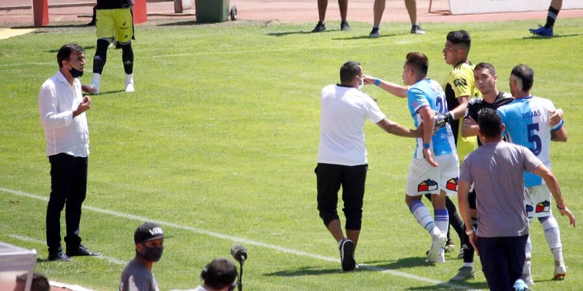 Gustavo Quinteros recibió tres fechas de suspensión y llegará justo al Superclásico