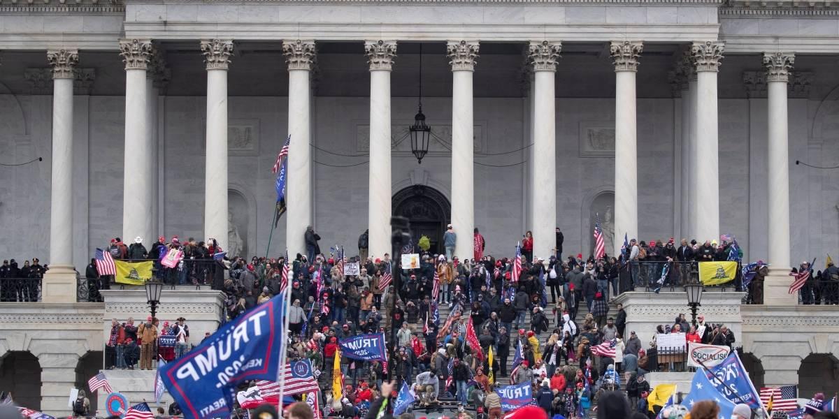 Muere la mujer que recibió un disparo durante las violentas protestas en el Capitolio