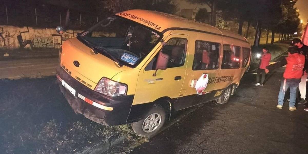 Seis personas heridas tras colisión de dos autos al norte de Quito