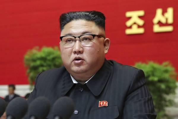 """Kim Jong-un admite errores en la estrategia económica y afirma que las dificultades que enfrenta son """"las peores de la historia"""""""