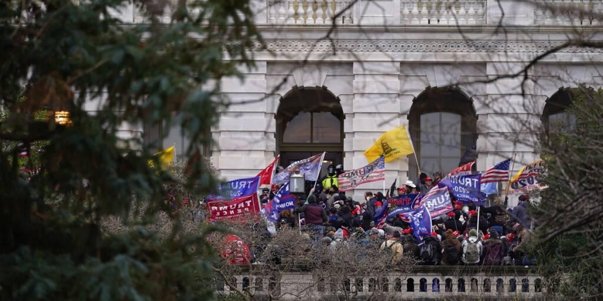 Varios senadores cambian de parecer tras ataque a Capitolio