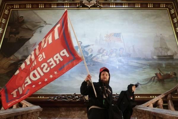 Tensión en Estados Unidos: partidarios de Trump irrumpen en el Capitolio para protestar contra la certificación del triunfo de Biden