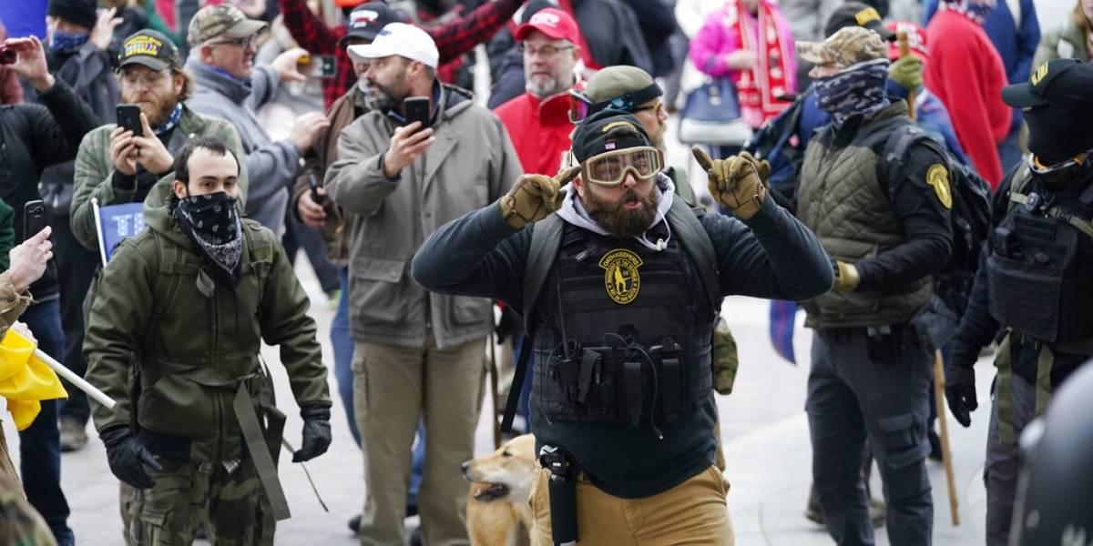 Activaron toda la Guardia Nacional de Washington tras ingreso de agitadores al Capitolio