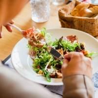 Feliz e saudável: 5 alimentos que ajudarão você a liberar endorfina