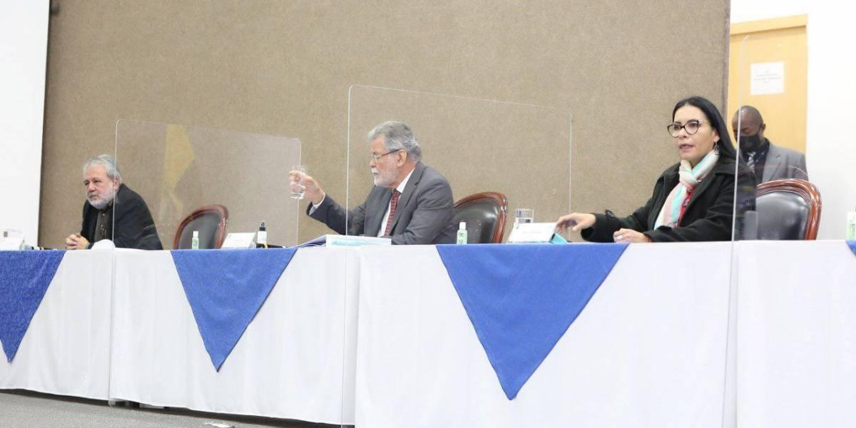Cuatro consejeros del CNE rechazan sentencia del TCE y apelarán el fallo en los próximas días