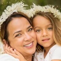 """Adamari López y su hija Alaïa se visten iguales con mini vestido """"Baby Playa"""" y son la inspiración para una mamá"""
