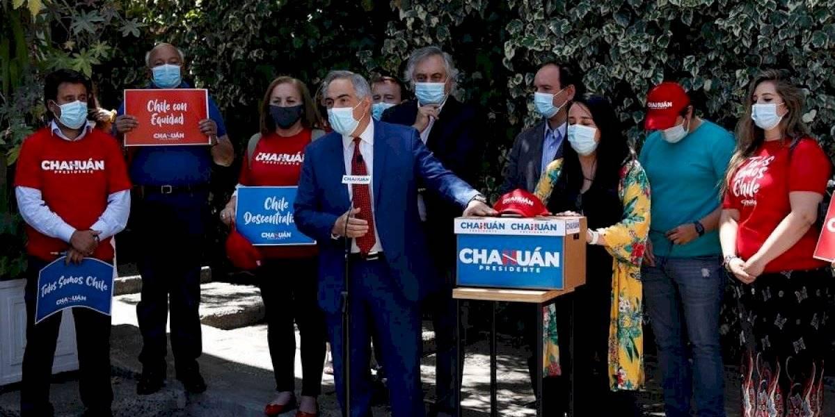 """Francisco Chahuán inscribe su precandidatura presidencial: """"Tenemos que recuperar el alma de Chile"""""""