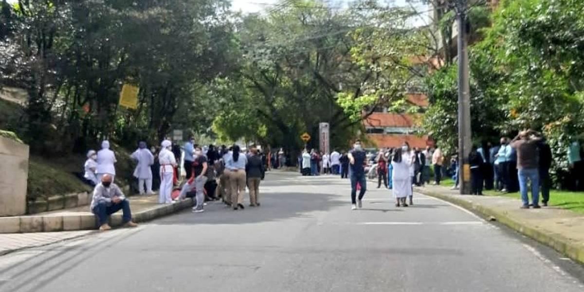 Fuga de gas obliga a evacuar clínica de Medellín