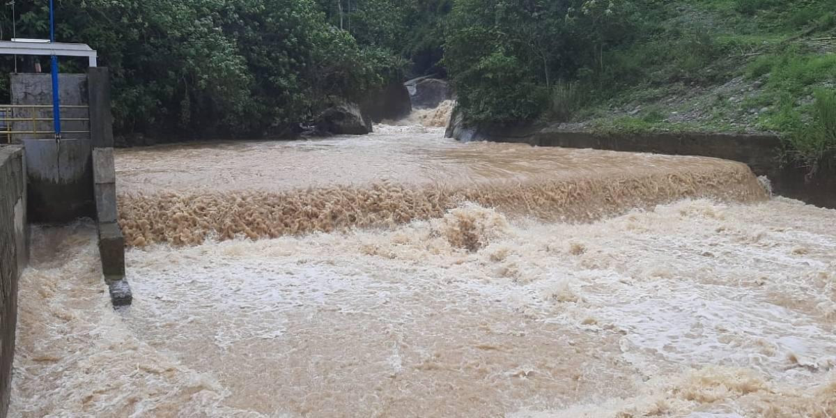Crecida del río Lelia deja sin agua potable a Santo Domingo