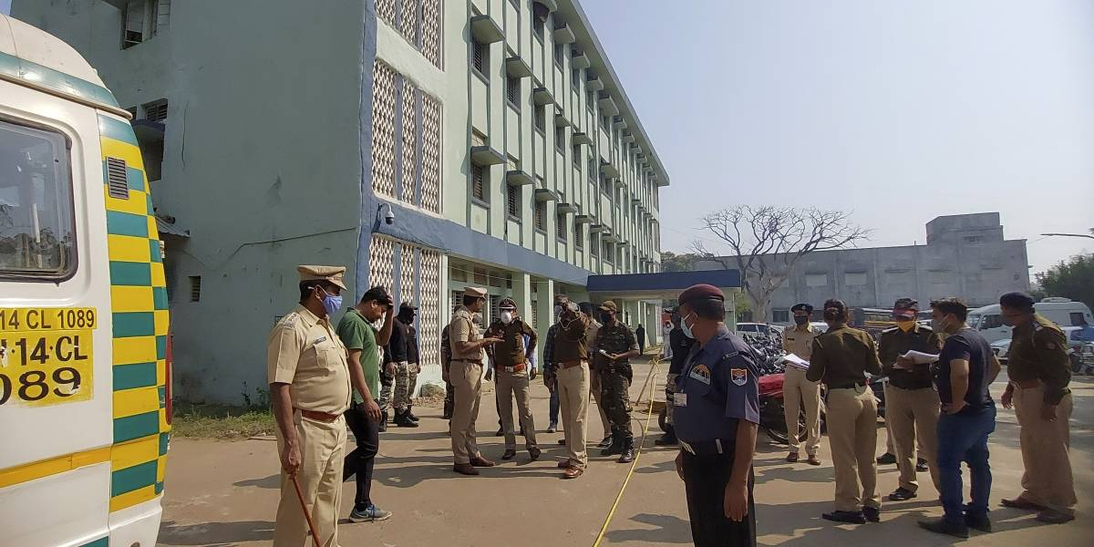 Incendio mata a 10 niños en hospital en India