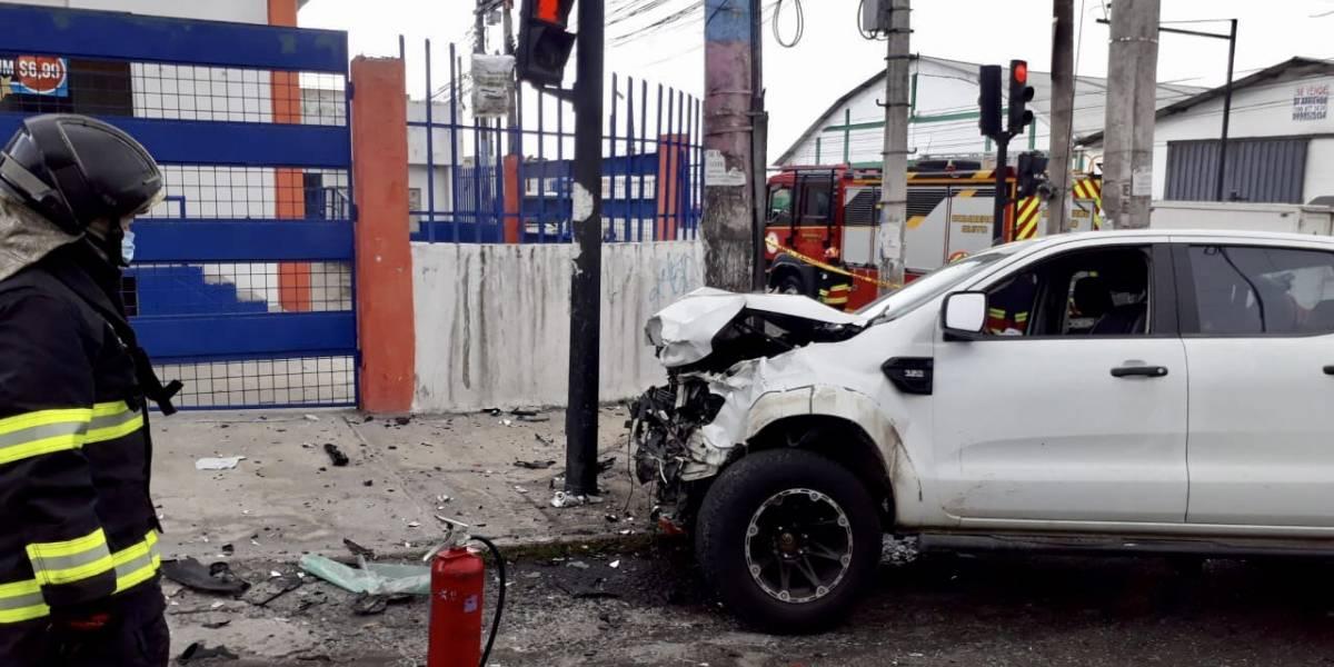 Quito: Un menor de edad herido tras accidente de tránsito en la avenida Eloy Alfaro y los Arupos