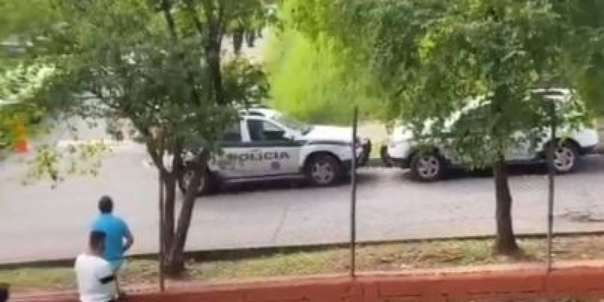 Sujetos intentan robar patrulla para escapar de estación de Policía