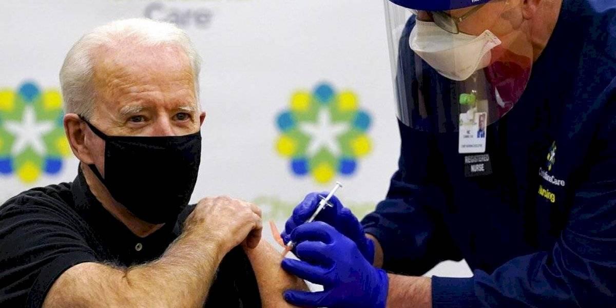 Joe Biden recibe la segunda dosis de la vacuna contra COVID-19