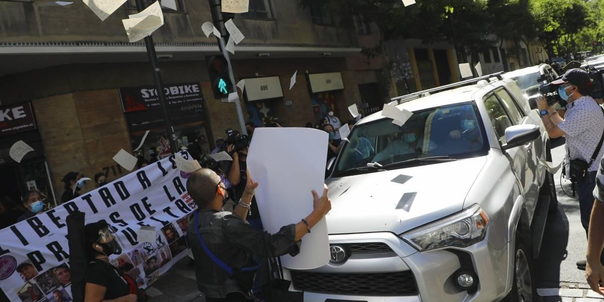 El lado B de la última jornada para inscribir candidaturas: funas, manifestaciones y dirigentes arrancando