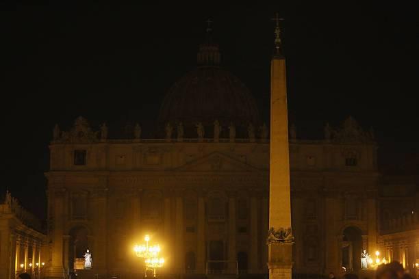 Hora de la Tierra en San Pedro, el Vaticano.