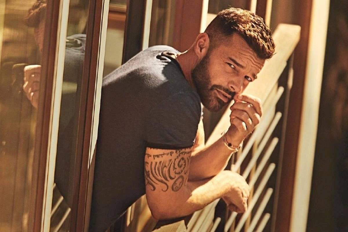 Ricky Martin se ha caracterizado por su autenticidad, así que no sabemos que opine de que alguien se realice tantas operaciones para parecerse a él.