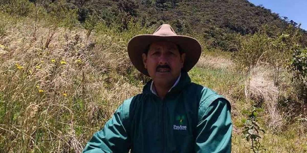 """Denuncian el asesinato del """"guardián del loro orejiamarillo"""" en Colombia"""