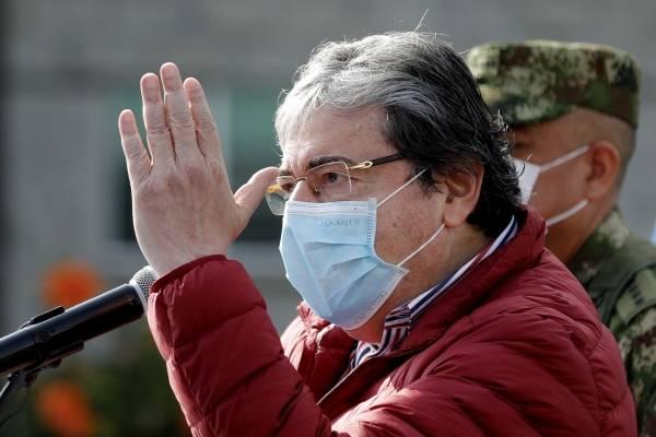 Ministro de Defensa, Carlos Holmes Trujillo, dio positivo para coronavirus