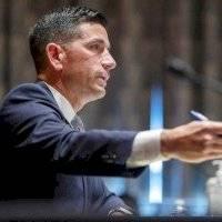 Renuncia el secretario de Seguridad Nacional de Estados Unidos