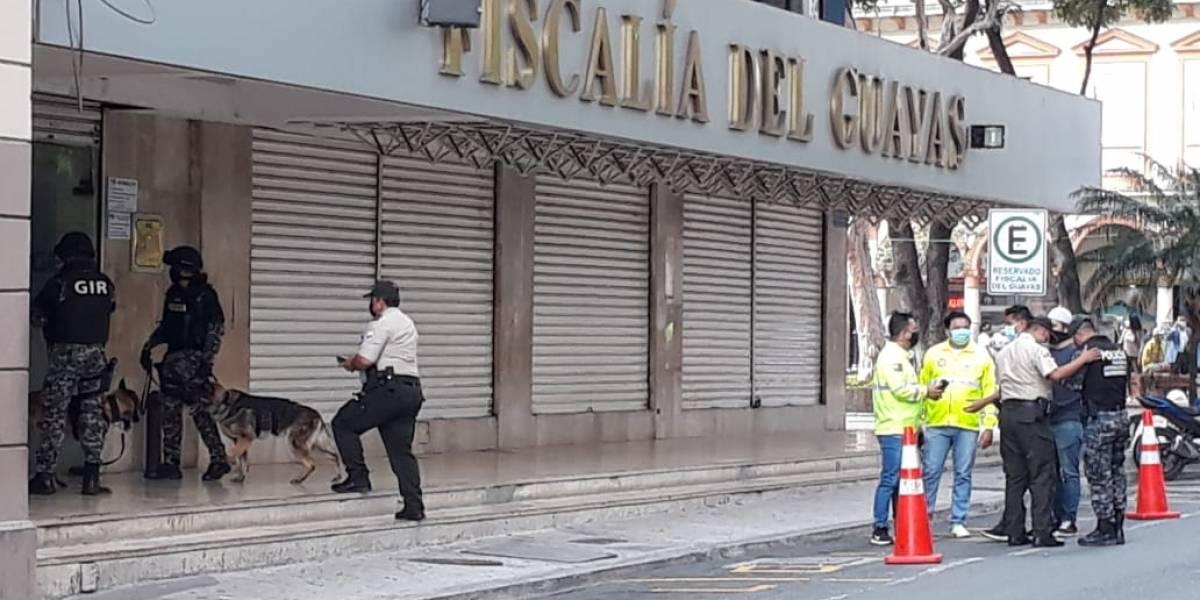 Descartan amenaza de bomba en el edificio de la Fiscalía del Guayas