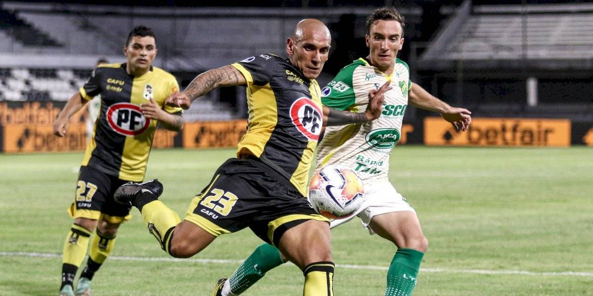 """Coquimbo Unido evita el gol de """"visita"""" de Defensa y Justicia y deja abierta la llave"""