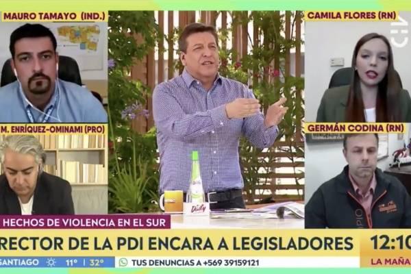 """JC Rodríguez protagonizó un nuevo round con Camila Flores: """"Bienvenida a Chile diputada ¿andaba afuera?"""""""