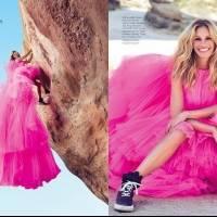 Julia Roberts mostra como combinar vestido com tênis para um look confortável e elegante