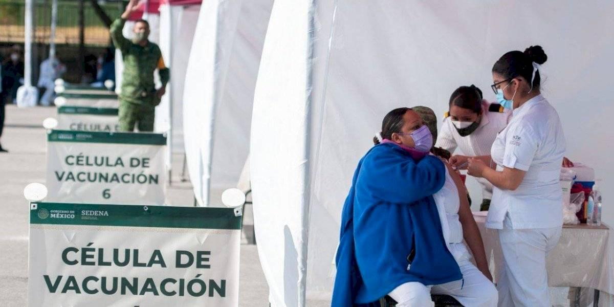 Salud y Sedena actualizan plan para vacunar a 15 millones de adultos mayores hasta abril