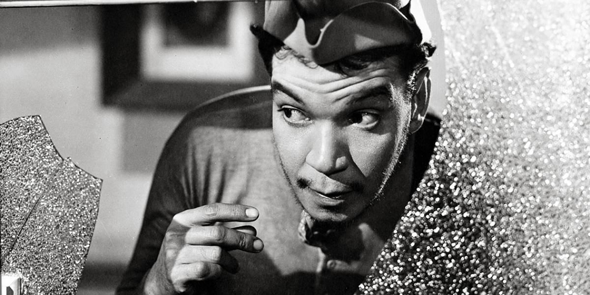 """Jóvenes entran a la casa abandonada de """"Cantinflas"""" y lo presumen en TikTok"""
