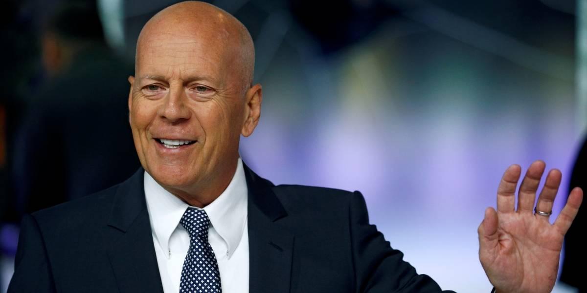 Expulsan a Bruce Willis de una farmacia por negarse a usar mascarilla