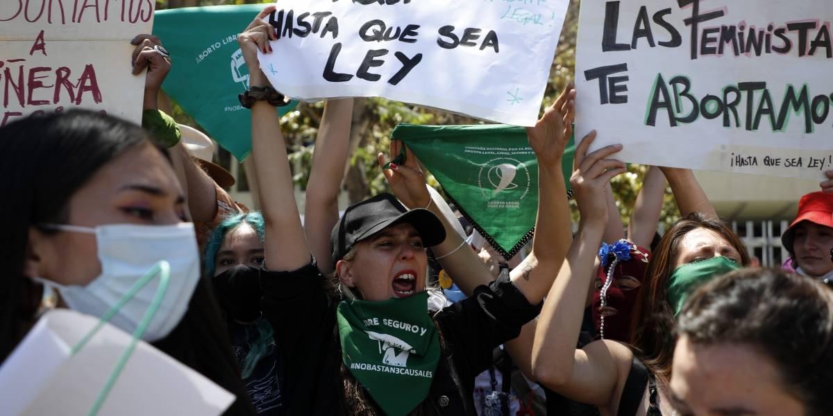 """Quieren pasar gato por liebre"": Chile Vamos acusa a la oposición de querer avanzar en aborto libre"