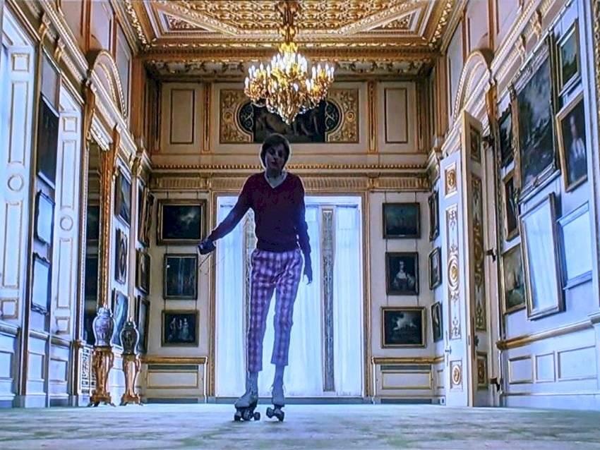 La escena de la princesa Diana patinando en Palacio de Buckingham también fue filmada en los interiores de Wilton House