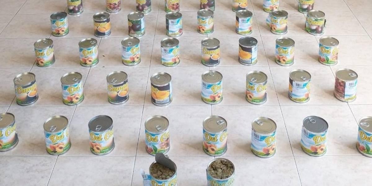 Joven llevaba 18 kilos de marihuana escondida en tarros de fruta