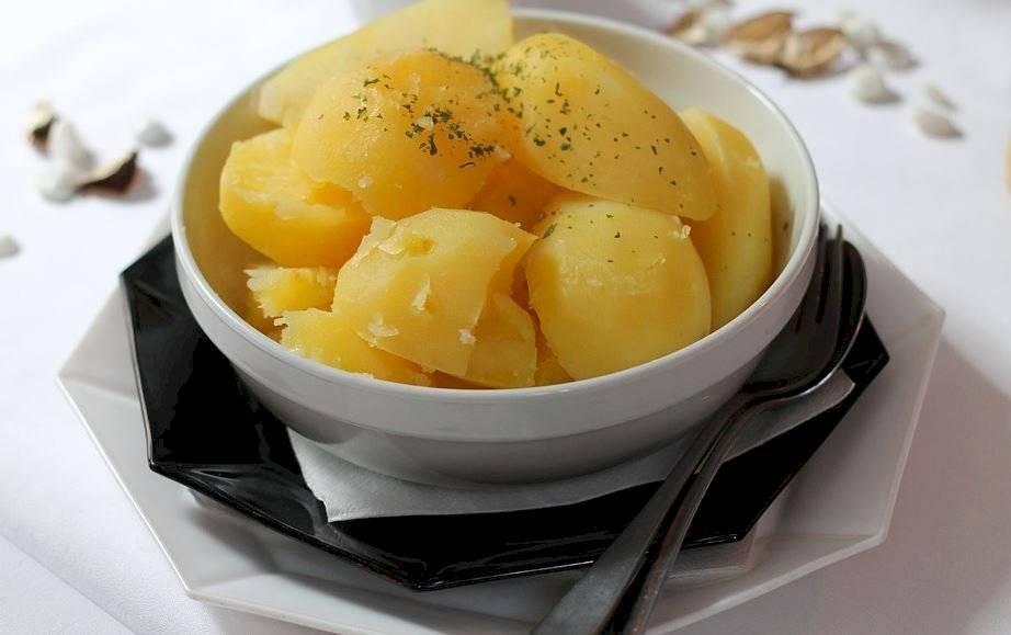 Las patatas cocidas o hervidas son el número uno de los alimentos saciantes.