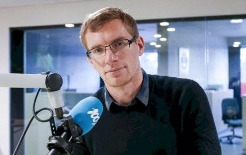Philip Crowther, el periodista que transmite en seis idiomas.