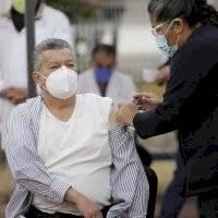 Inicia vacunación contra el Covid-19 a personal médico en Jalisco