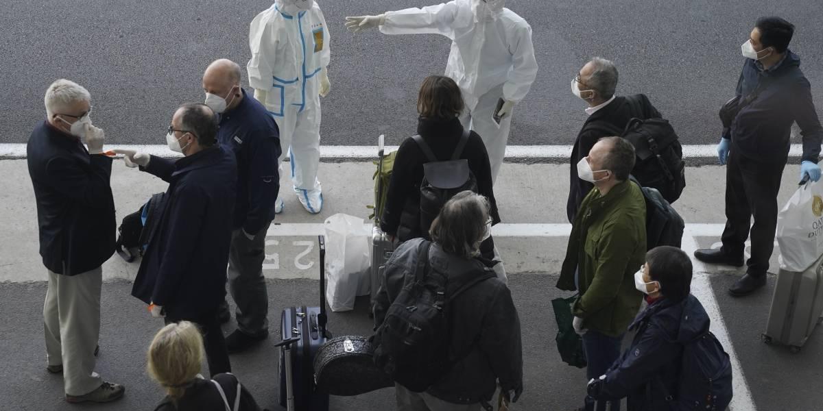 Gobierno chino bloquea entrada de dos expertos de la OMS que viajaron para estudiar el origen del coronavirus