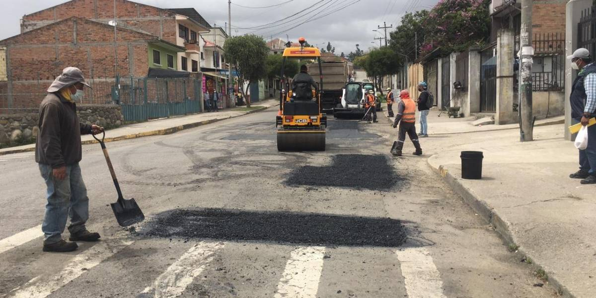 Cuenca: Una semana más para culminar los trabajos de mantenimiento en dos importantes vías