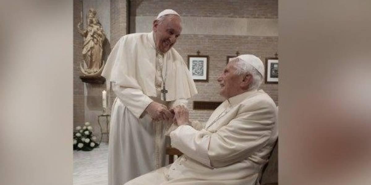 Benedicto XVI se vacuna contra el coronavirus