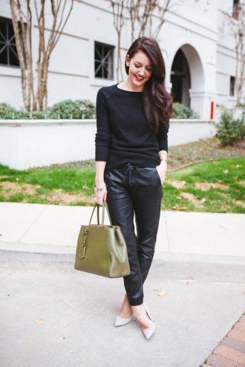Pantalones efecto piel en tendencia