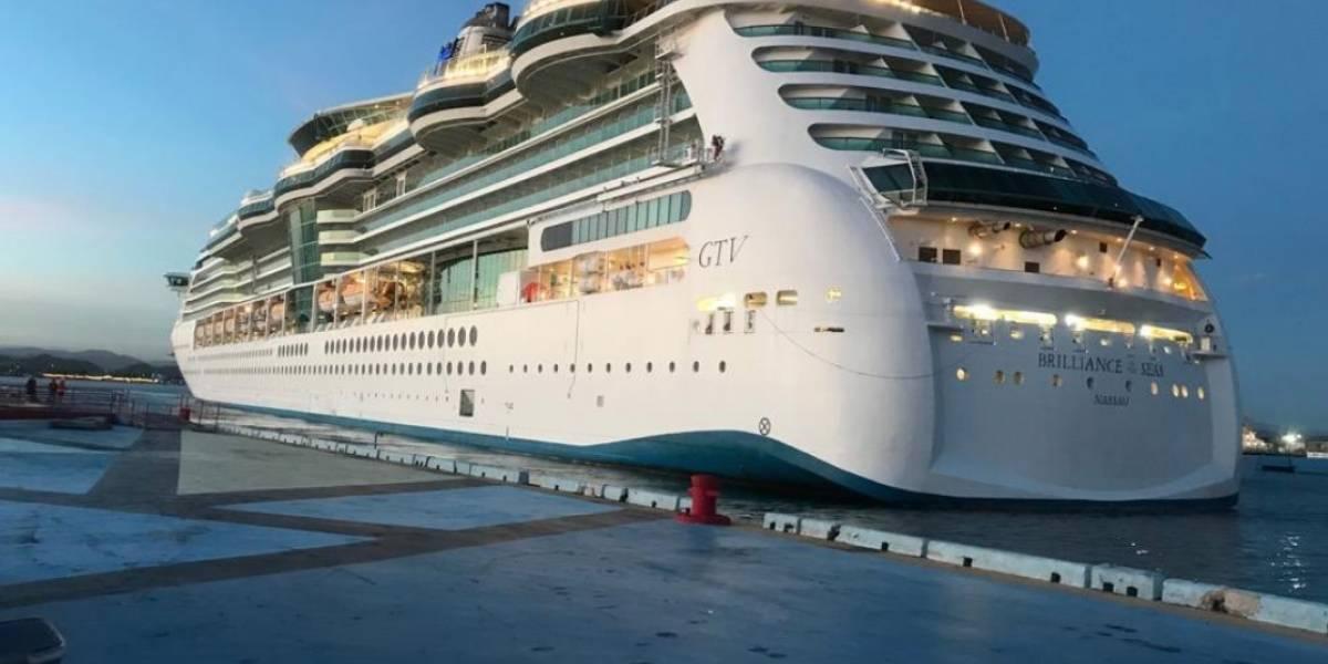 Crucero hace parada en muelle de San Juan